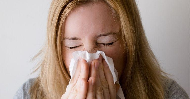 causas-acne-dentro-nariz